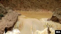 Попушти браната на Слатинско Езеро
