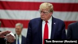 Трамп Хитой билан савдо шартномасини қайта кўриб чиқиш ниятида эмас.