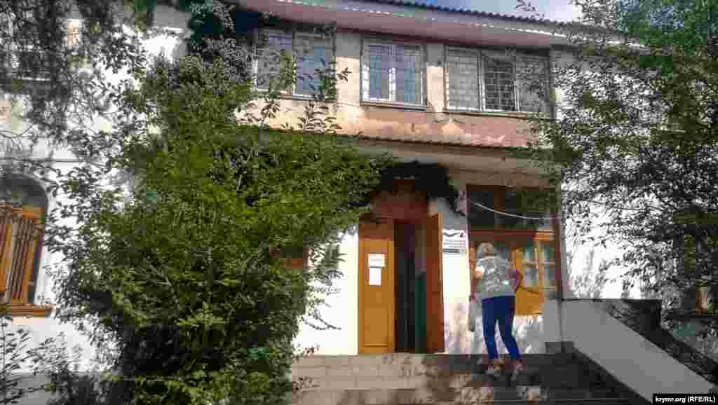 Виборча дільниця на вулиці Федька розташована в спеціальній школі-інтернаті №2