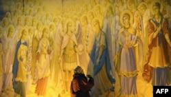 Фрески в память о жертвах Голодомора в Киеве.