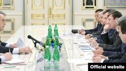 Віктор Ющенко під час наради з питань протидії корупції, Київ, 9 грудня 2009 року