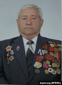 Наріман Маметов із військовими нагородами