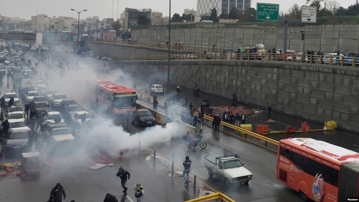 Иран удерживает тысячи людей за решеткой после ноябрьских протестов – Amnesty International