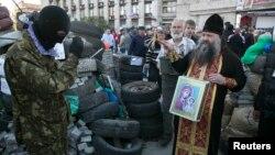 Донецктеги орусиячыл күчтөр. 24-апрель.
