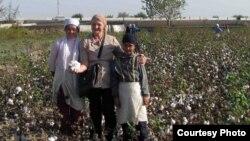 Елена Урлаева – одна из немногих узбекских правозащитников, которая борется над искоренением принудительного труда на хлопковых полях в Узбекистане.
