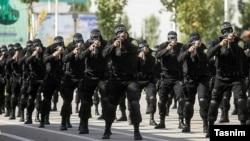 هر یک از استانهای ۳۱ گانه ایران دارای یگان ویژه خاص خود هستند که از نظر عملیاتی با فرمانده نیروی انتظامی استان هماهنگ میشوند، ولی از نظر آموزشی و فرماندهی عام زیر نظر یگان ویژه مرکزی هستند.