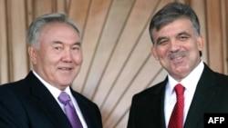 Ղազախստանի նախագահ Նուրսուլթան Նազարբաև և Թուրքիայի նախագահ Աբդուլա Գյուլ, արխիվ
