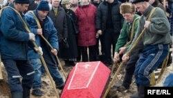 Похороны Яны Поляковой, 9 марта 2009