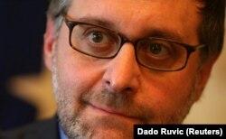 Palmer je prilikom prethodnih poseta Srbiji i Kosovu više puta rekao da SAD neće propisivati kako rešenje između Beograda i Prištine treba da izgleda