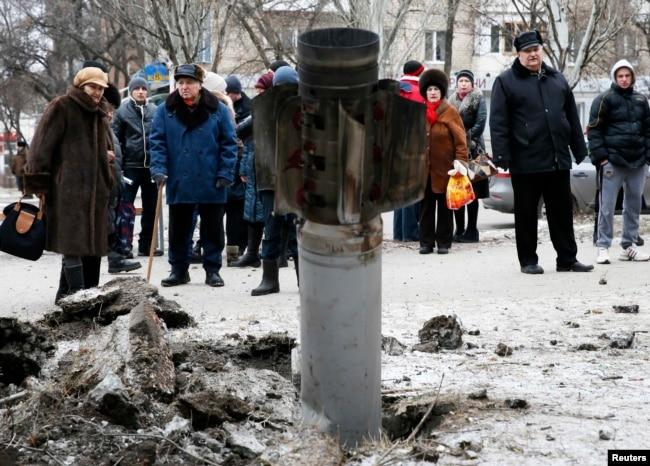 Краматорськ, 10 лютого 2015 року. Внаслідок ракетного обстрілу міста з боку російських гібридних сил тоді загинули 15 людей і 15 були поранені