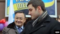 Руслан Андрийко (справа), депутат Киевского городского совета.