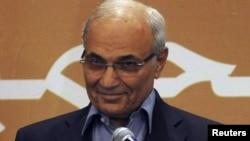 Ахмед Шафік на прес-конференції в Каїрі 21 червня 2012 року, невдовзі після президентських виборів. На той час результатів іще не було, і він був упевнений у перемозі