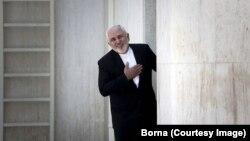 وزیر امور خارجه جمهوری اسلامی پس از تقدیم کوچیکتمنامه!