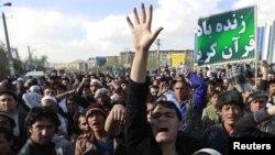 تظاهرکنندگان خشمیگن روز جمعه در مزار شریف