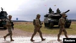 Американские военные на полигоне Ожиш в Польше.
