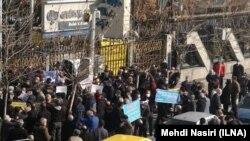 صحنهای از تجمعات اعتراضی قبلی بازنشستگان در تهران