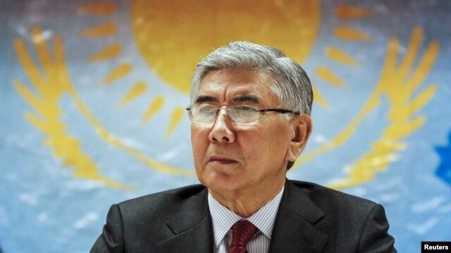 Жармахан Тұяқбай ЖСДП съезінде отыр. Алматы, 30 қаңтар 2016 жыл.