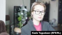 18 жылға түрмеге қамалған ақын, диссидент Арон Атабектің қызы Айдана Айдархан. Алматы, 30 қаңтар 2018 жыл.