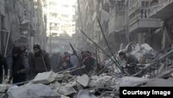 Unul din cartierele din Alep după bombardamentele forțelor siriene, 4 februarie 2016
