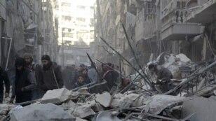 Один из кварталов Алеппо после налета авиации Башара Асада. Февраль 2016 года