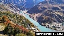 پل مشترک میان افغانستان و تاجیکستان در ولایت بدخشان