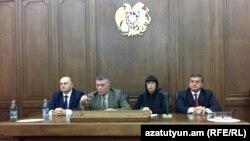 Представители четырех парламентских фракций на совместной пресс-конференции, Ереван, 16 декабря 2014 г.