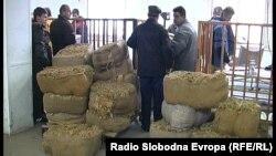 Архивска фотографија - Откуп на тутун во Прилеп.