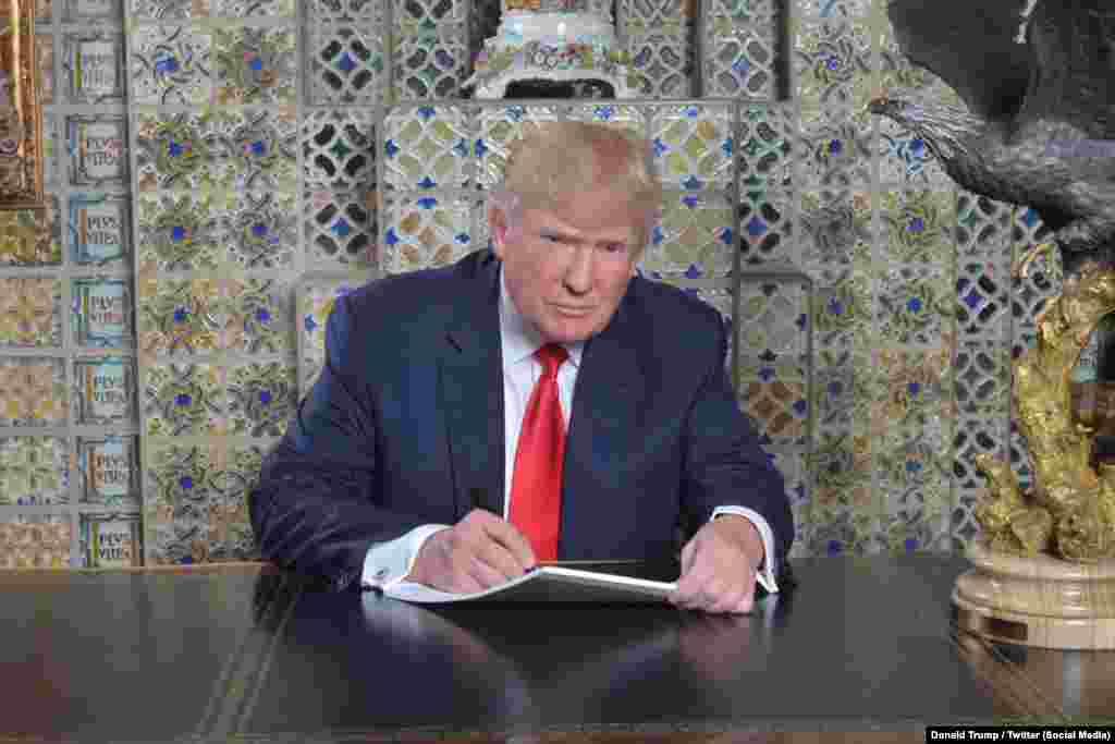 """Ант берүүгө бир нече күн калганда Трамп Твиттердеги баракчасындакызматка киришүүгөдаярдык көрүп жаткан сүрөтүн жарыялаган. """"Жуманы чыдамсыздык менен күтүп отурам"""" деп жазган ал."""