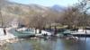 بازداشت ۹۰ دختر و پسر به اتهام آببازی در سپیدان فارس