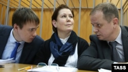 Наталья Шарина со своими адвокатами в Мещанском суде Москвы, ноябрь 2016