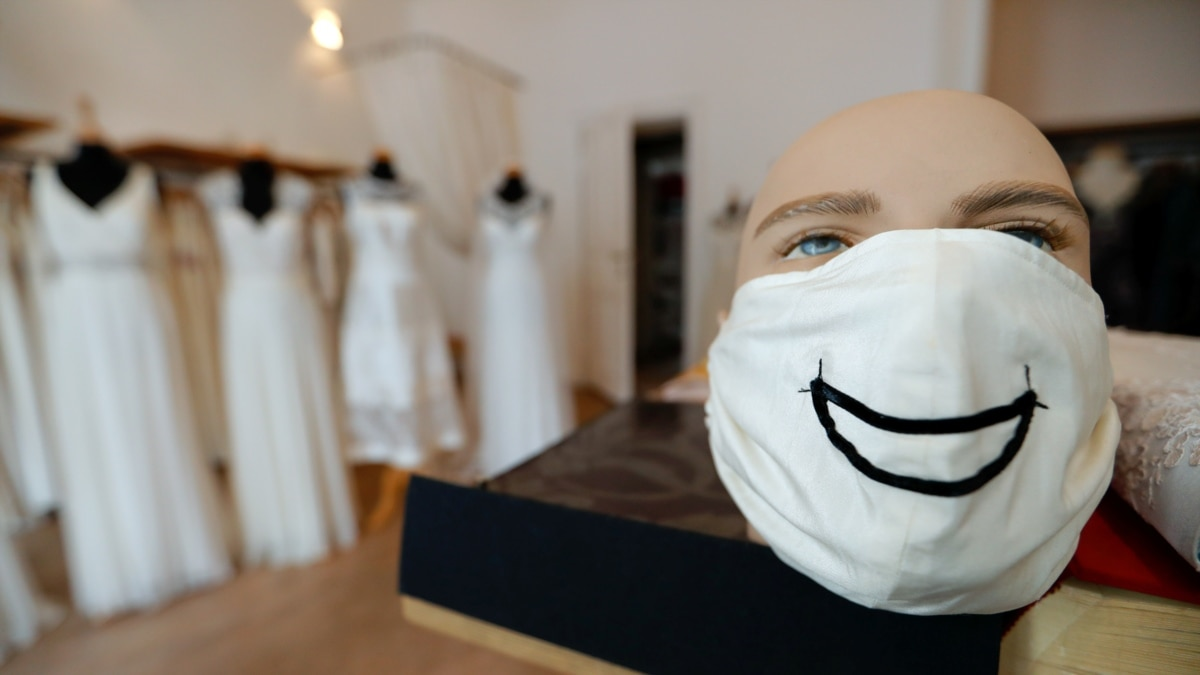 Мода на маски в эпоху коронавирус – фоторепортаж
