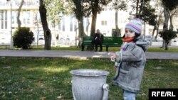 О том, что мусор с улиц надо убирать, знают даже малые дети