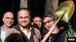 رامبد جوان و برخی از سینماگران در حیاط موزه سینما درخت کاشتند