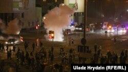 Столкновения протестующих с силами безопасности. Минск, 9 августа 2020 года.