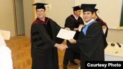 Студенты из Центральной Азии, получившие дипломы российского вуза.