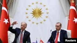 АКШнын вице-президенти Жо Байден менен түрк президенти Эрдоган август айында жолуккан эле.