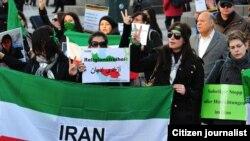 Аялдардын диний эркиндикке чакырган демонстрациясы. Германия, Гамбург. 8-март, 2011