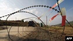 Заграждения у границы Косова и Сербии