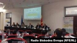 """Интернационална конференција """"Заеднички пристап во менаџирање на миграциските текови"""" во македонското Министерство за надворешни работи во Скопје."""