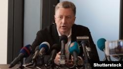 Спецпредставник Держдепартаменту США Курт Волкер відповідальність за події на Донбасі покладає на Росію. На фото – прес-конференція у місті Слов'янськ, Донецька область, 15 травня 2018 року