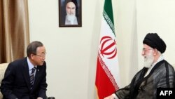 Iran's Supreme Leader Ayatollah Ali Khamenei (right) meets with UN Secretary-General Ban Ki-moon in Tehran on August 29.