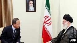 Iran's Supreme Leader Ayatollah Ali Khamenei (right) meets with UN Secretary-General Ban Ki-moon in Tehran on August 29.