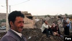 İran Azərbaycanında zəlzələdə dağıntılardan ilk fotolar