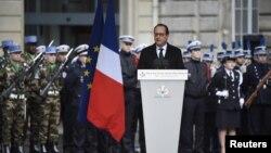 Президент Франції Франсуа Олланд виступає перед антитерористичними силами безпеки, Париж, 7 січня 2016 року