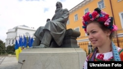 Пам'ятник Михайлові Грушевському в Києві