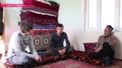 Шрамы Тахира Султонова: таджикский таксист выжил после нападения российских солдат