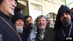 Израиль привычно считает. что европейцы настроенны проарабски. Покойный лидер палестинцев Ясир Арафат