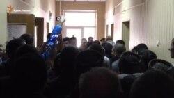 Конфликт в коридоре Верховного суда Крыма (видео)