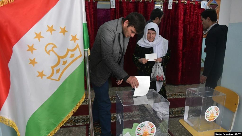 Центризбирком Таджикистана ответил на 10 вопросов Радио Озоди о президентских выборах