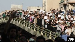 صحنهای از تجمع مسالمتآمیز معترضان به انتخابات در روز چهارشنبه ۲۷ خرداد در تهران